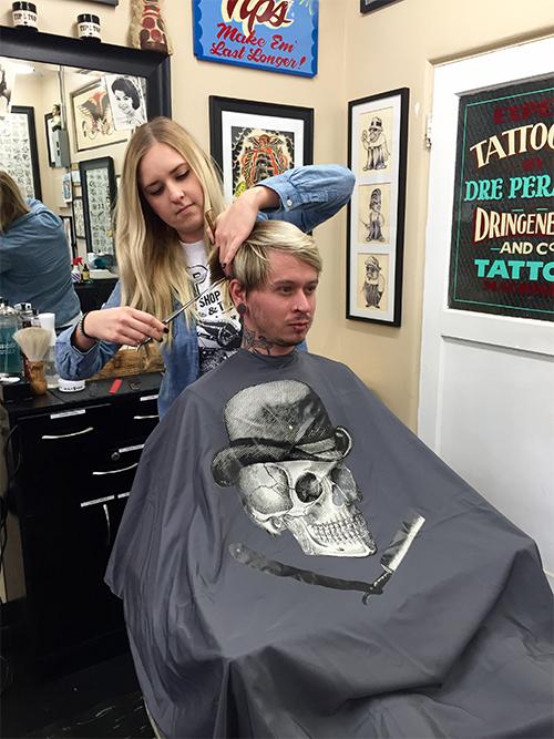 TIPTOP skull Barber Cape
